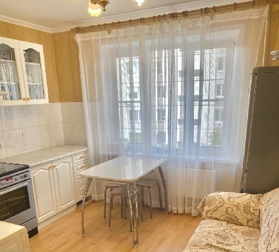 Продажа 2-комнатной квартиры, г. Тольятти, Офицерская  3